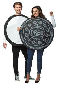 Image: Oreo Cookie Couple Costume